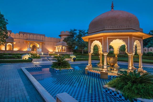 """Top 6 """"lâu đài"""" nghỉ dưỡng xa hoa nhất ở Ấn Độ"""